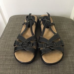Soft Style By Hush Puppies Sandals 9.5M